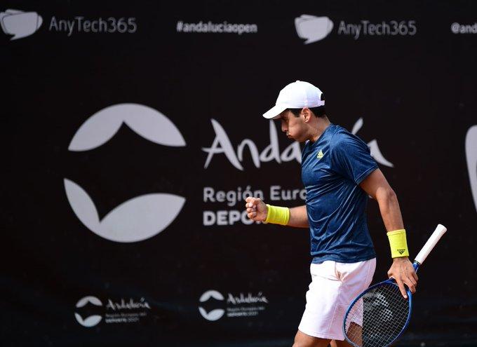 Jaume Munar celebrando uno de los puntos de la semifinal. (Fuente: Twitter @ATPTour_ES)