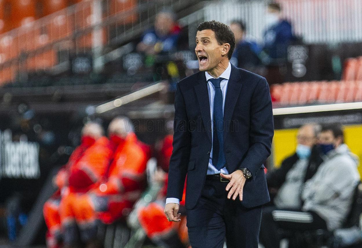 Javi Gracia dirigiendo | Foto: Valencia CF