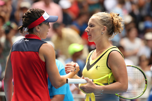 Jelena Jankovic and Svetlana Kuznetsova meet for a warm handshake at the net after the three-hour, 36-minute thriller | Photo: Scott Barbour/Getty Images AsiaPac