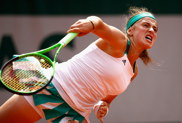 Jelena Ostapenko serves at the French Open | Photo: Adam Pretty/Getty Images Europe
