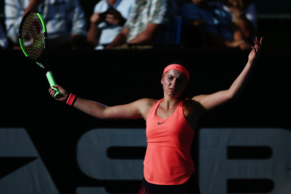 Jelena Ostapenko shows her frustration in Auckland | Photo: Anthony Au-Yeung/Getty Images AsiaPac