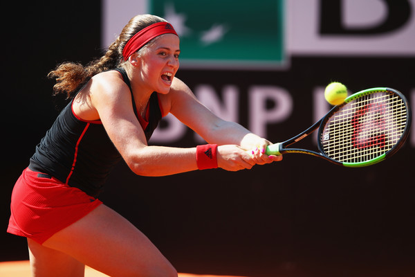 It was all about Jelena Ostapenko in the opening 40 minutes of the match | Photo: Julian Finney/Getty Images Europe