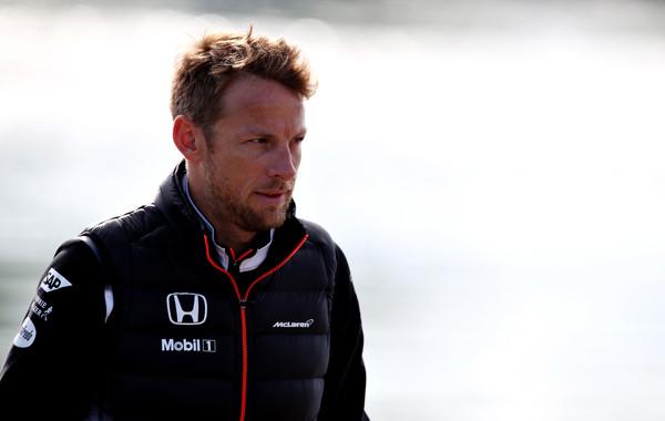 Jenson Button é um dos principais nomes envolvidos em tantos rumores de troca de equipes (Foto: Charles Coates/Getty Images)