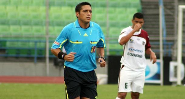 Jesús Valenzuela, árbitro del Argentina - Bolivia de hoy