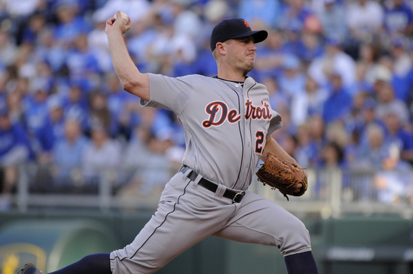 Jordan Zimmermann #27 of the Detroit Tigers throws in the first inning against the Kansas City Royals at Kauffman Stadium on April 20, 2016 in Kansas City, Missouri. (April 19, 2016 - Source: Ed Zurga/Getty Images North America)