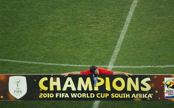 Joan Capdevila tras ganar el Mundial de Sudáfrica 2010   Foto: Doug Pensinger/Getty Images Europe