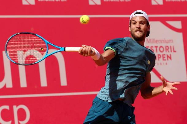 João Sousa playing his semifinal's match against Stefanos Tsitsipas at the Millennium Estoril Open. (Photo by Millennium Estoril Open)
