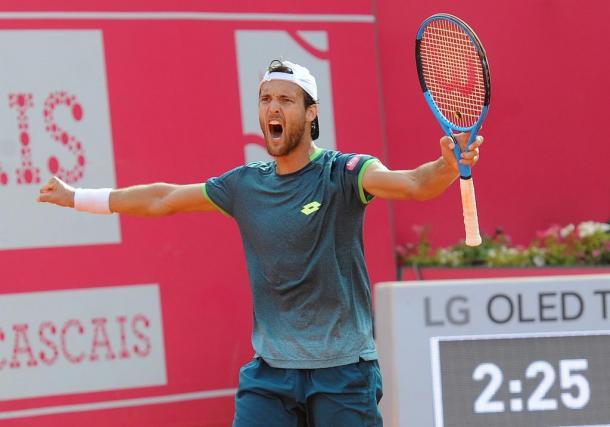 João Sousa celebrating his win this Wednesday. (Photo by Millennium Estoril Open)