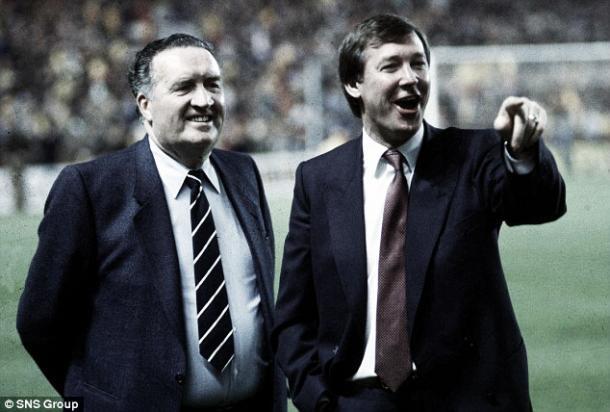 Stein junto a Ferguson. La muerte de 'Jock' dejó un gran vacío al fútbol escocés. Foto: Daily Mail.