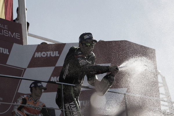 Johann Zarco en el podio del GP de la Comunitat Valenciana (Mirco Lazzari- Getty Images)