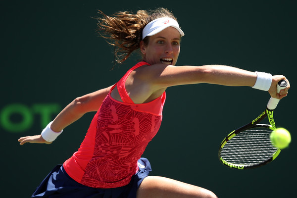 Johanna Konta reaches out for a shot | Photo: Julian Finney/Getty Images North America