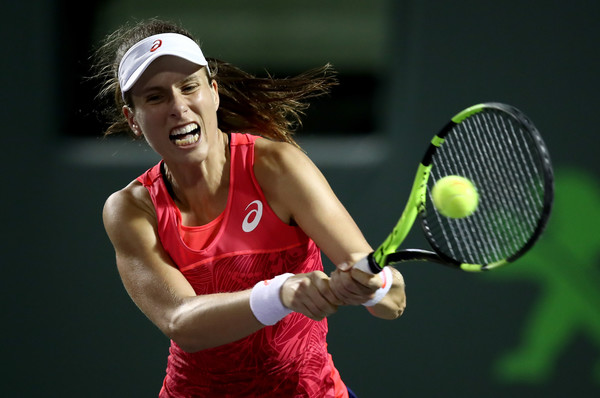 Johanna Konta hits a backhand | Photo: Julian Finney/Getty Images North America