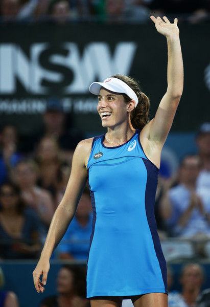Johanna Konta waves to the crowd after defeating Agnieszka Radwanska in the final of the 2017 Apia International Sydney. | Photo: Matt King/Getty Images