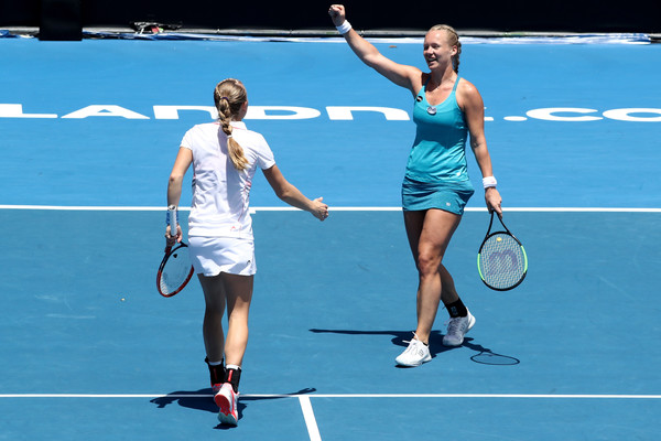 Bertens and Larsson celebrates their triumph in the first week of the year | Photo: Phil Walter/Getty Images AsiaPac