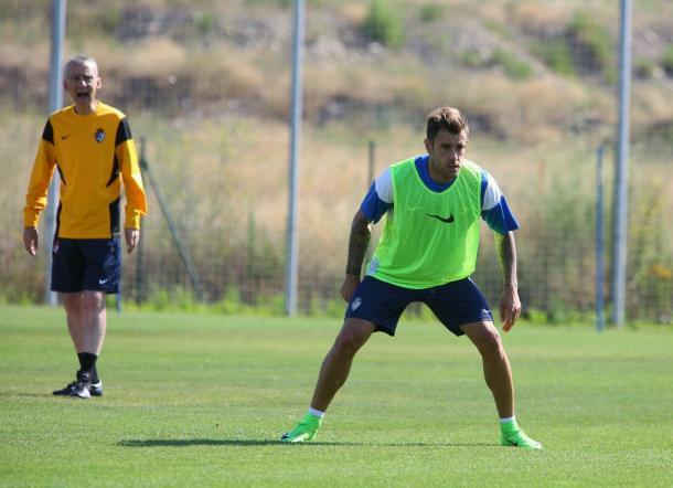 Jon García ya se entrenó a las órdenes de Carlos Terrazas. | Foto: SD Ponferradina.