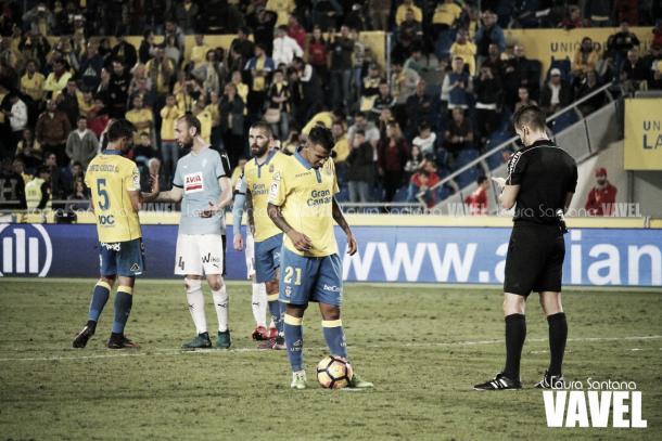 Viera,en instantes previos al lanzamiento de penalti frente al Éibar | Fotografía: Laura Santana / VAVEL