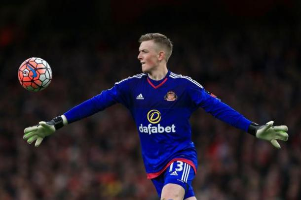 Pickford in action against Arsenal | photo source: Chronicle