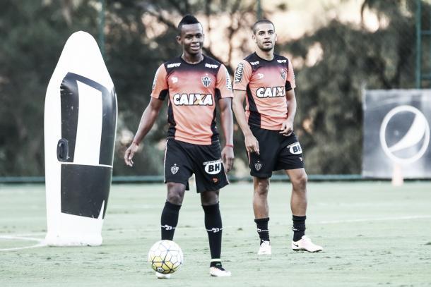 "O Cazares tem meu apoio total"", garante Nepomuceno (Foto: Bruno Cantini/Atlético-MG)"