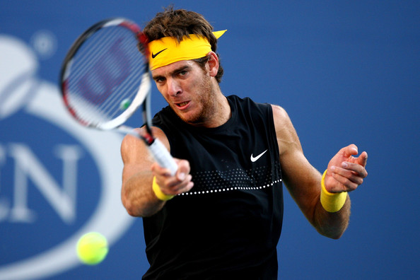 Juan Martin del Potro hits a forehand during the 2009 U.S. Open final against Roger Federer. | Photo: Al Bello/Getty Images North America