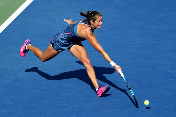 Julia Goerges failed to capitalize on her chances in the match | Photo: Elsa/Getty Images North America