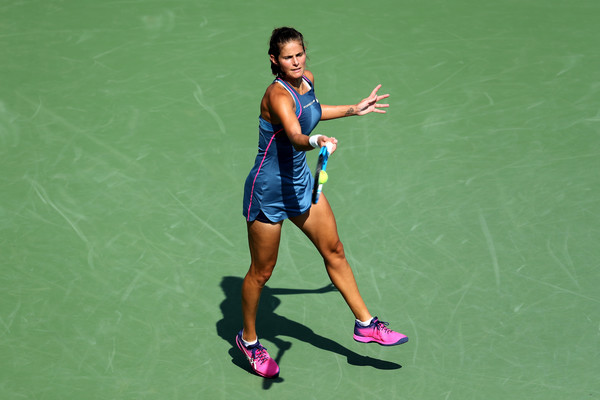 Julia Goerges was too erratic in the match | Photo: Elsa/Getty Images North America