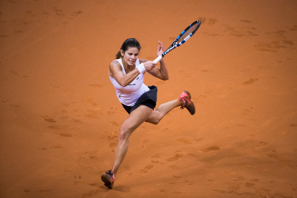 Julia Goerges in action for Germany at the Fed Cup last week | Photo: Simon Hofmann/Bongarts