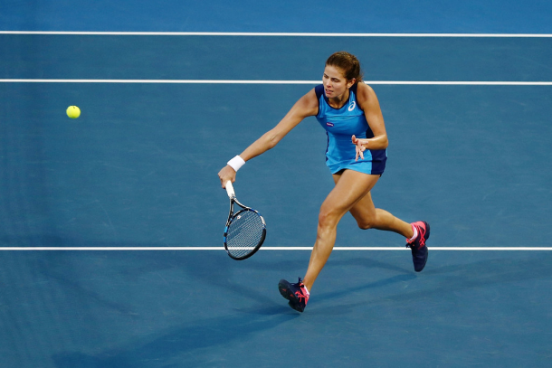 Julia Goerges hits a volley | Source: Anthony Au-Yeung/Getty Images