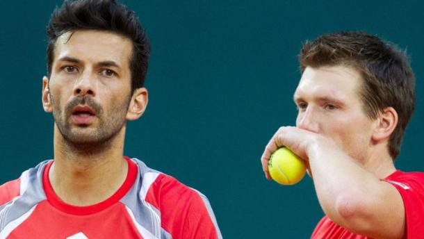 Julian Knowles (izquierda) y Alexander Peya, rivales de Cabal y Farah hoy. Foto: de.tennis.net
