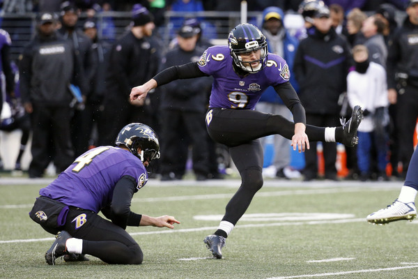 Baltimore Ravens kicker Justin Tucker (#9) kicks game-winning field against the St. Louis Rams -- Rob Carr/Getty Images