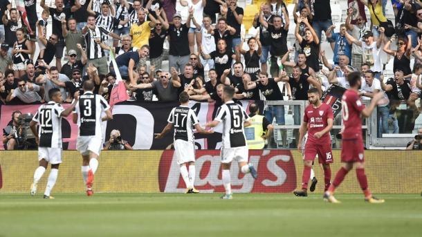 L'esultanza bianconera al goal di Mandžukić contro il Cagliari | Foto: Eurosport