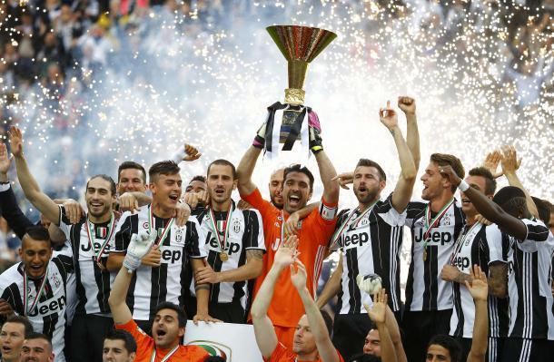 Juventus celebrate their fifth straight scudetto | Photo: Gazzettaworld.com