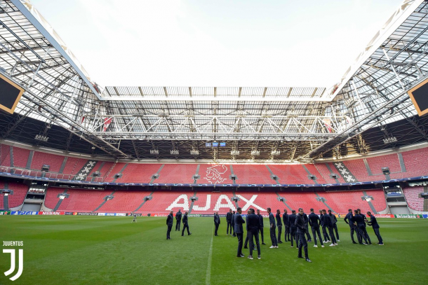 La vieja señora ya conoció el Johan Cruyff Arena   foto : twitter oficial Juventus