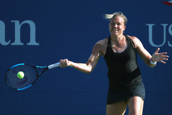 Kaia Kanepi in action | Photo: Al Bello/Getty Images North America