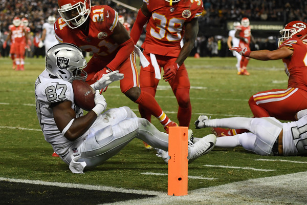 Jared Cook #87 of the Oakland Raiders makes a catch at the one-yard line of the Kansas City Chiefs. |Source: Thearon W. Henderson/Getty Images North America|