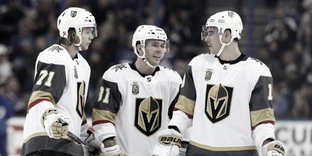 De izquierda a derecha, Karlsson, Smith y Marchessault | Foto: USA Today