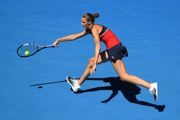 Karolina Pliskova reaches out for a forehand during her quarterfinal match against Mirjana Lucic-Baroni in Melbourne | Photo: Quinn Rooney/Getty Images AsiaPac