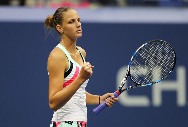 Karolina Pliskova celebrates her win over Magda Linette | Photo: Elsa/Getty Images North America
