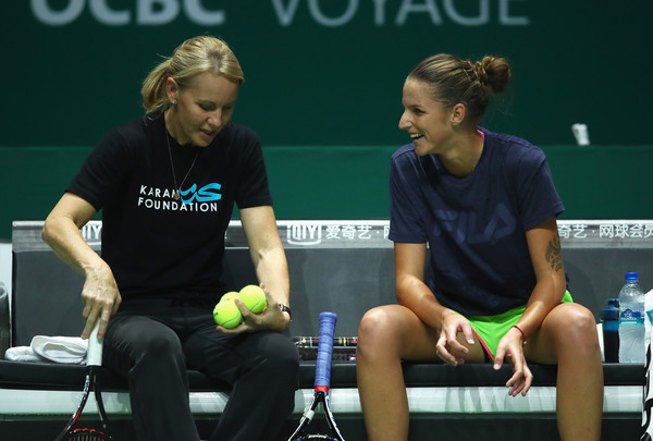 Pliskova and Stubbs during a practice session in Singapore | Photo: Clive Brunskill/Getty Images AsiaPac