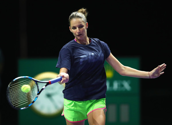 Pliskova races to convincing win in opening WTA Finals match