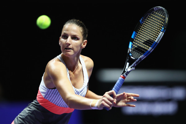 Karolina Pliskova returns a serve | Photo: Clive Brunskill/Getty Images AsiaPac