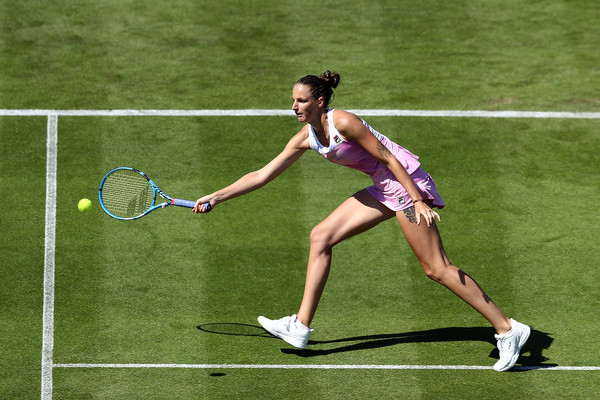 Karolina Pliskova reaching out for a shot in Eastbourne | Photo: Bryn Lennon/Getty Images Europe