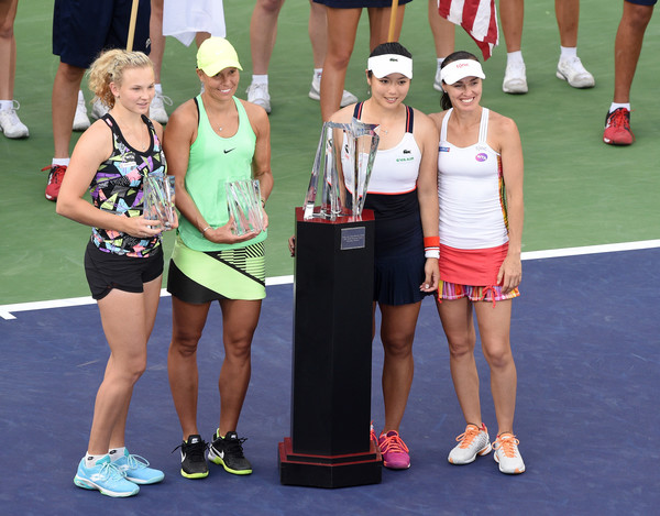 Hradecka and Siniakova poses with their runner-up trophy alongside Chan and Hingis who beat them in the final of the BNP Paribas Open | Photo: Kevork Djansezian/Getty Images North America