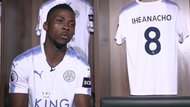 Iheanacho el día de su presentación con el club. Vía: Leicester City.
