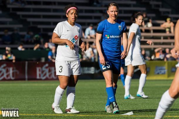 Dallon the field for Seattle Reign FC in match against FC Kansas City (Photo: Vavel- USA/ Brandon Farris)