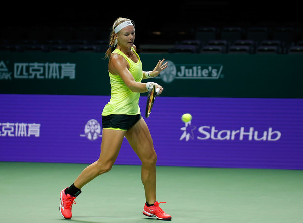 Kiki Bertens practices inside the Singapore Indoor Stadium prior to the tournament | Photo: Yong Teck Lim/Getty Images AsiaPac