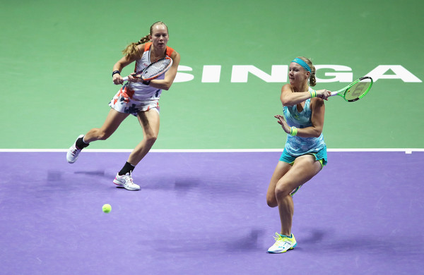 Bertens and Larsson in action during the match | Photo: Matthew Stockman/ AsiaPac
