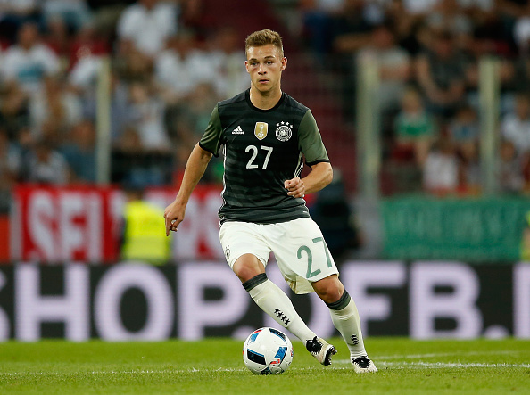 Kimmich in action for Germany | Photo: Getty/Boris Streubel