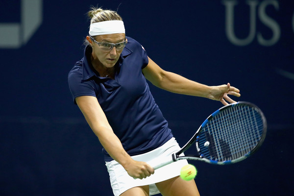 Kirsten Flipkens in action at the US Open | Photo: Clive Brunskill/Getty Images North America