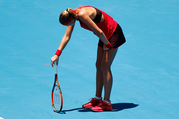 Kristina Mladenovic was struggling with the heat today | Photo: Zak Kaczmarek/Getty Images AsiaPac