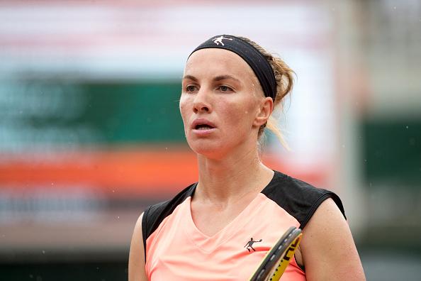 Kuznetsova suou,mas acabou eliminada na primeira rodada (Foto: Tim Clayton/Corbis via Getty Images)